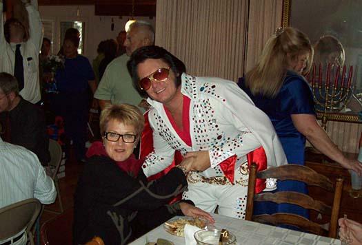 Elvis schmoozing